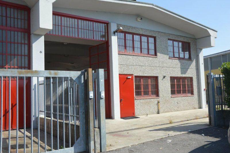 Capannone in affitto a Pieve Emanuele, 1 locali, prezzo € 1.333 | Cambio Casa.it