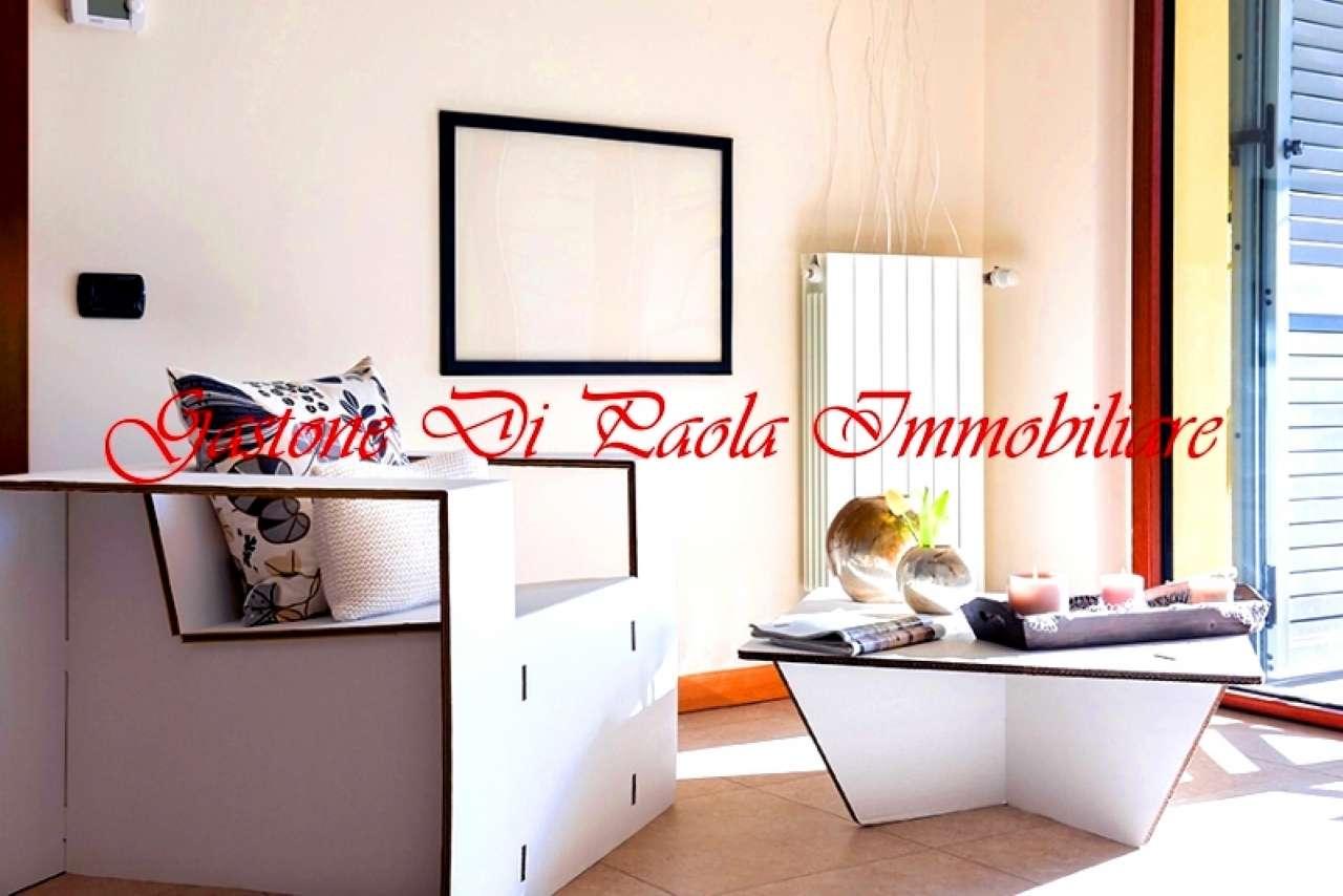 Appartamento in vendita 2 vani 71 mq.  via ruccellai Milano