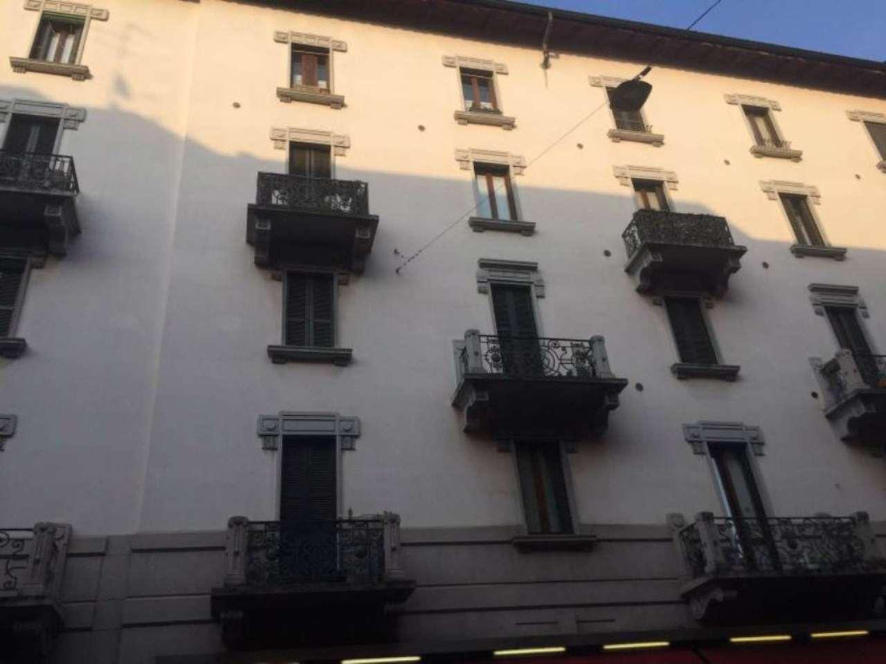 Bilocale Milano Via Chavez 1