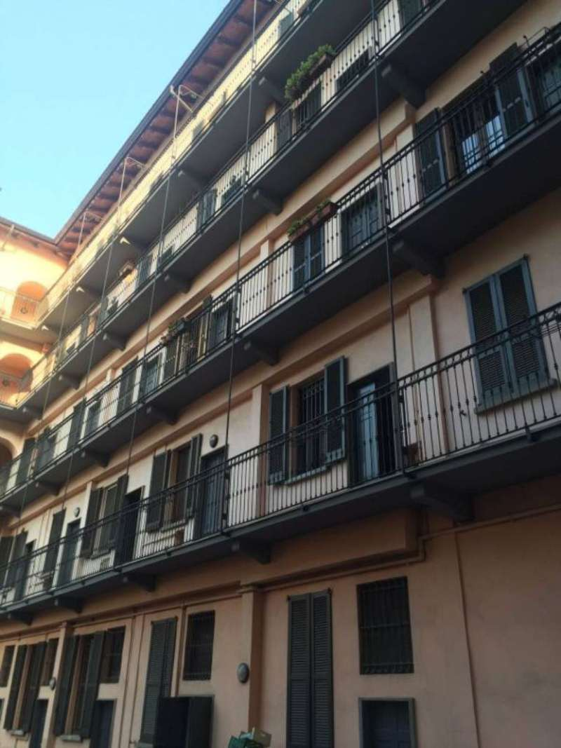 Bilocale Milano Via Chavez 4