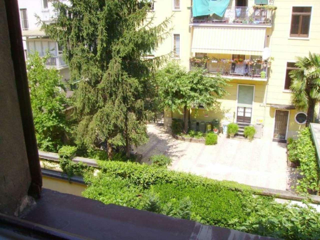 Bilocale Milano Via Cesena 8