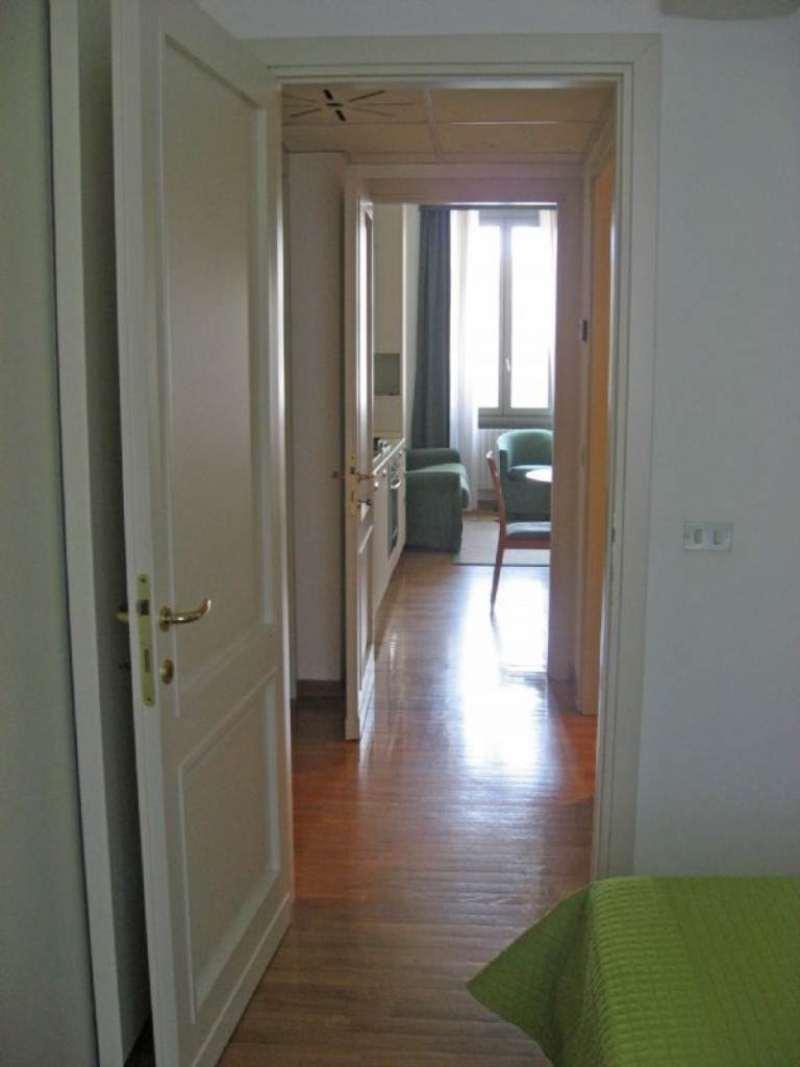 Bilocale Milano Via Correggio 3