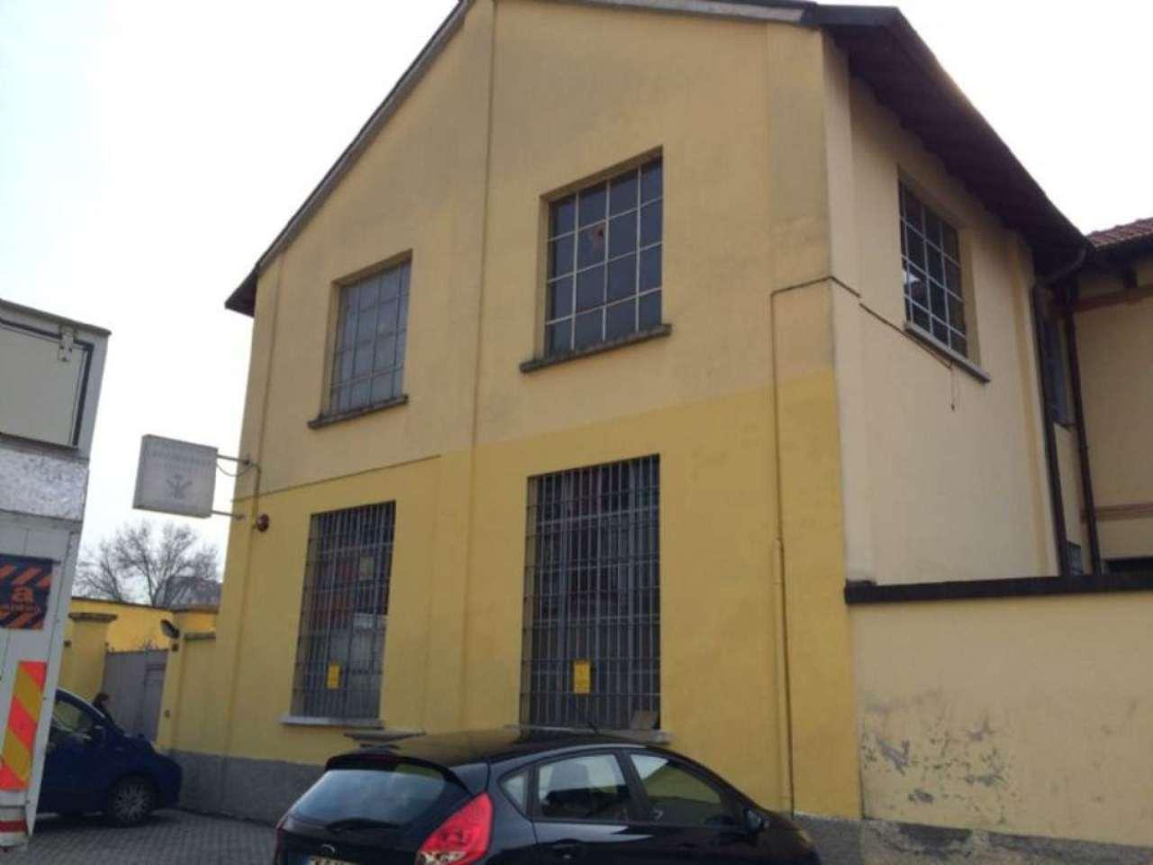 Capannone in vendita a Milano, 5 locali, zona Zona: 11 . Barona, Giambellino, Lorenteggio, Famagosta, prezzo € 235.000 | Cambio Casa.it