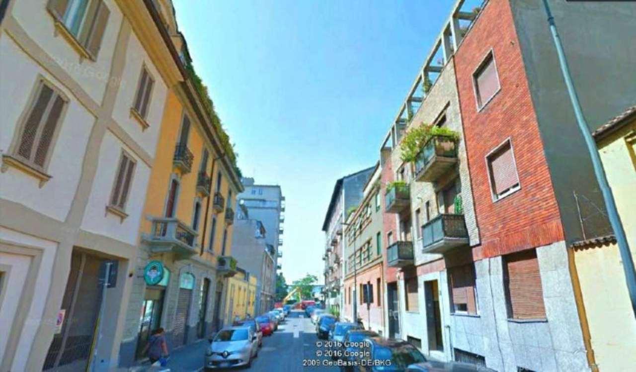 Bilocale Milano Via Elia Lombardini 2