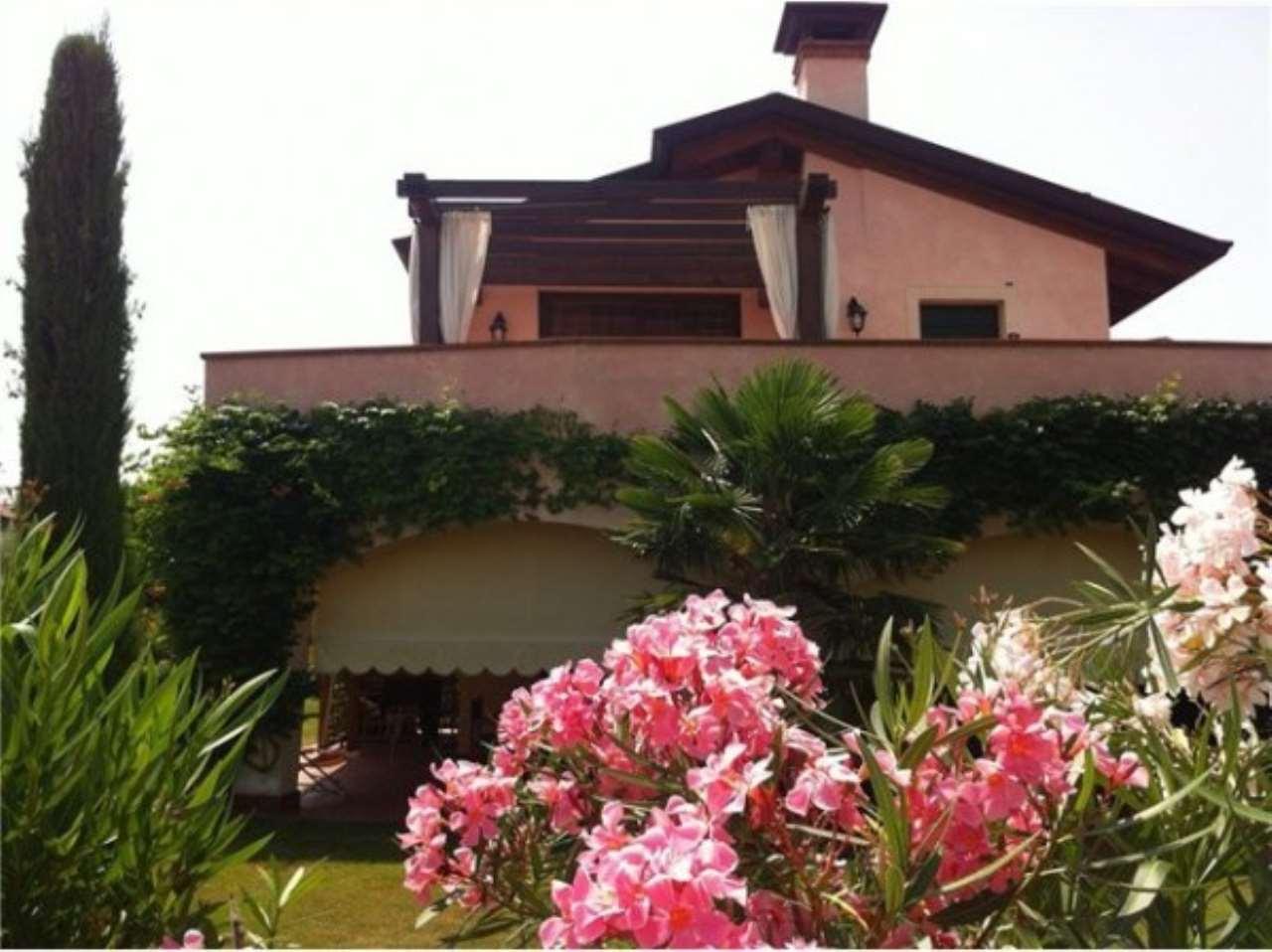 Appartamento in vendita a Peschiera del Garda, 3 locali, prezzo € 340.000 | Cambio Casa.it