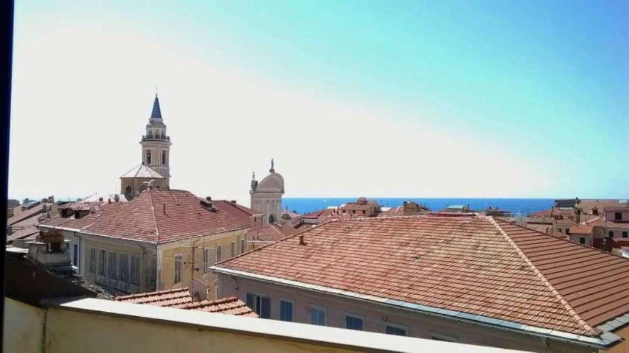 Appartamento in vendita a Imperia, 3 locali, prezzo € 195.000 | Cambio Casa.it