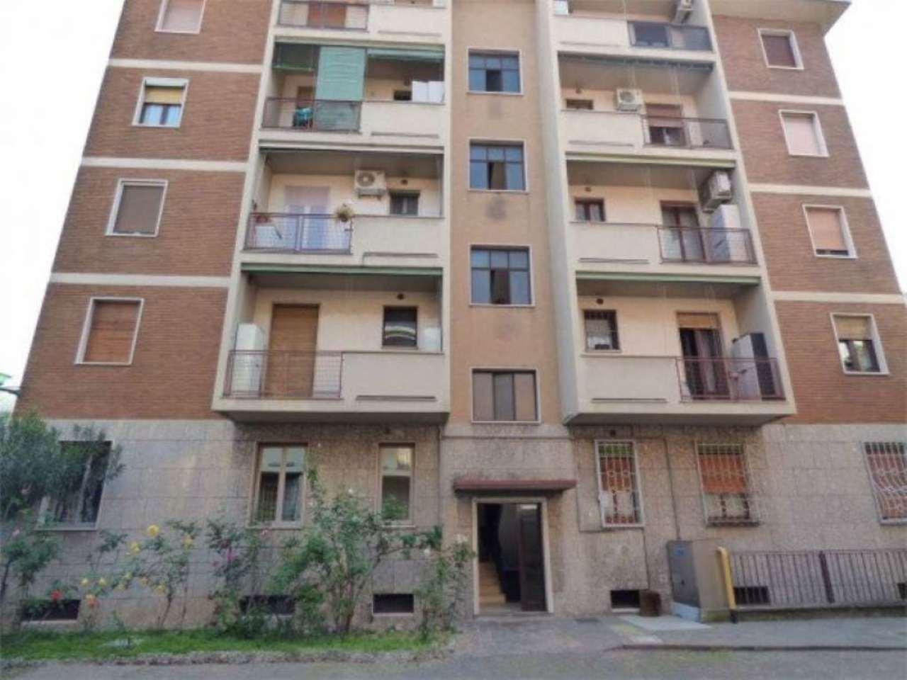 Bilocale Milano Via Fulton 9