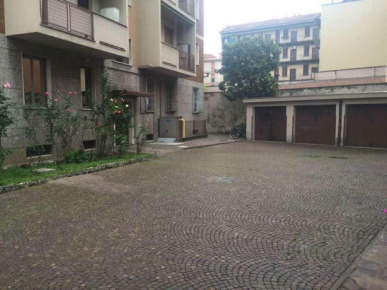 Bilocale Milano Via Fulton 10