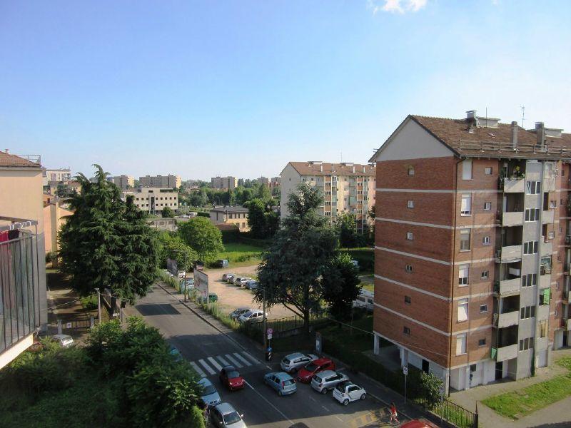 Bilocale Milano Via Quinto Romano 1