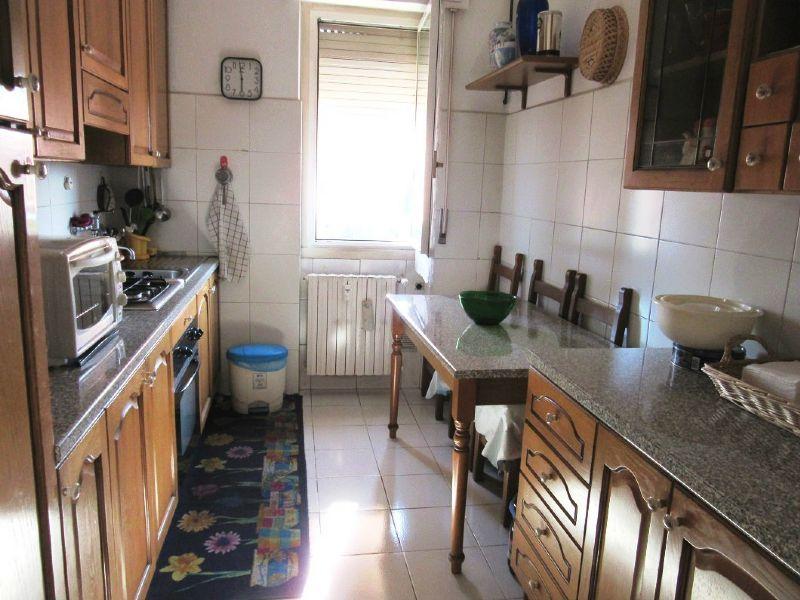 Bilocale Milano Via Quinto Romano 9