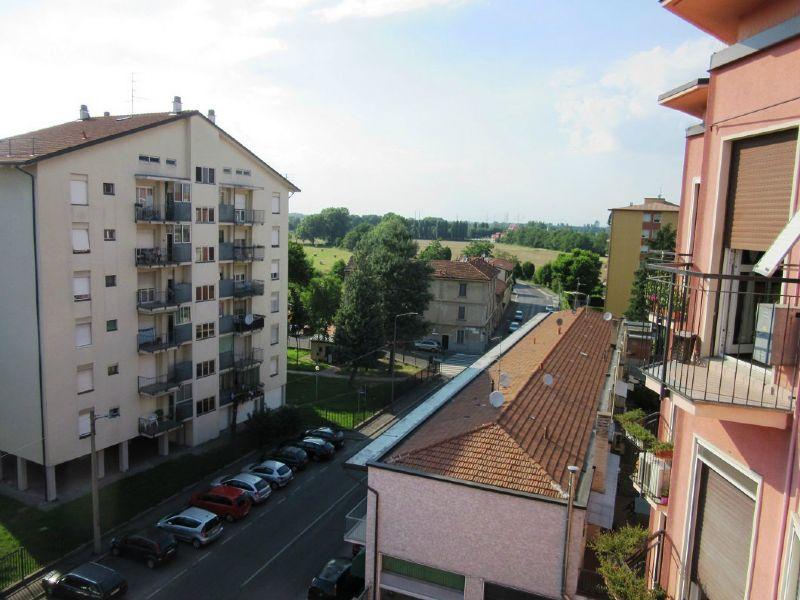 Bilocale Milano Via Quinto Romano 12