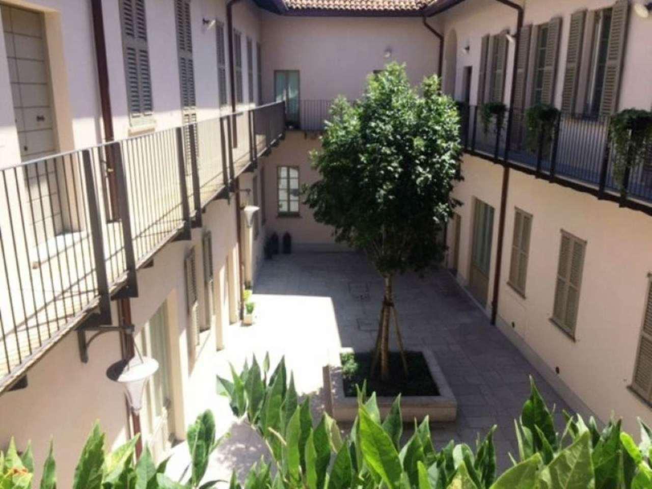 Bilocale Milano Corso Magenta 3