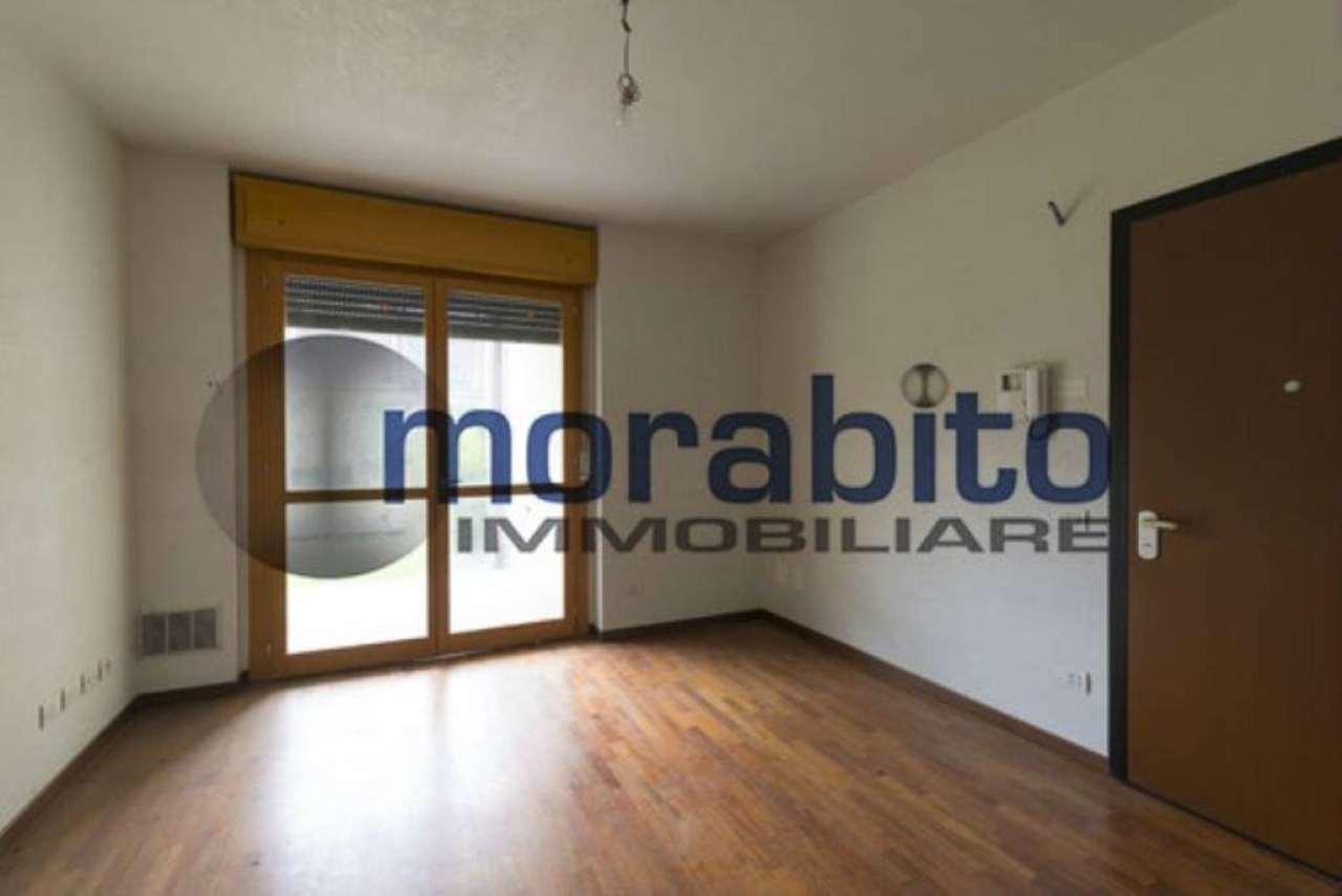 Bilocale Milano Via Barnaba Oriani 2