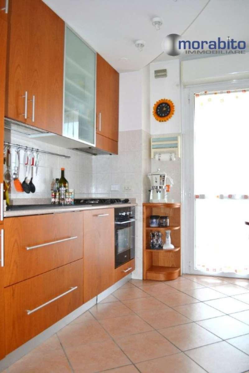 Bilocale Milano Via Carlo Perini 13