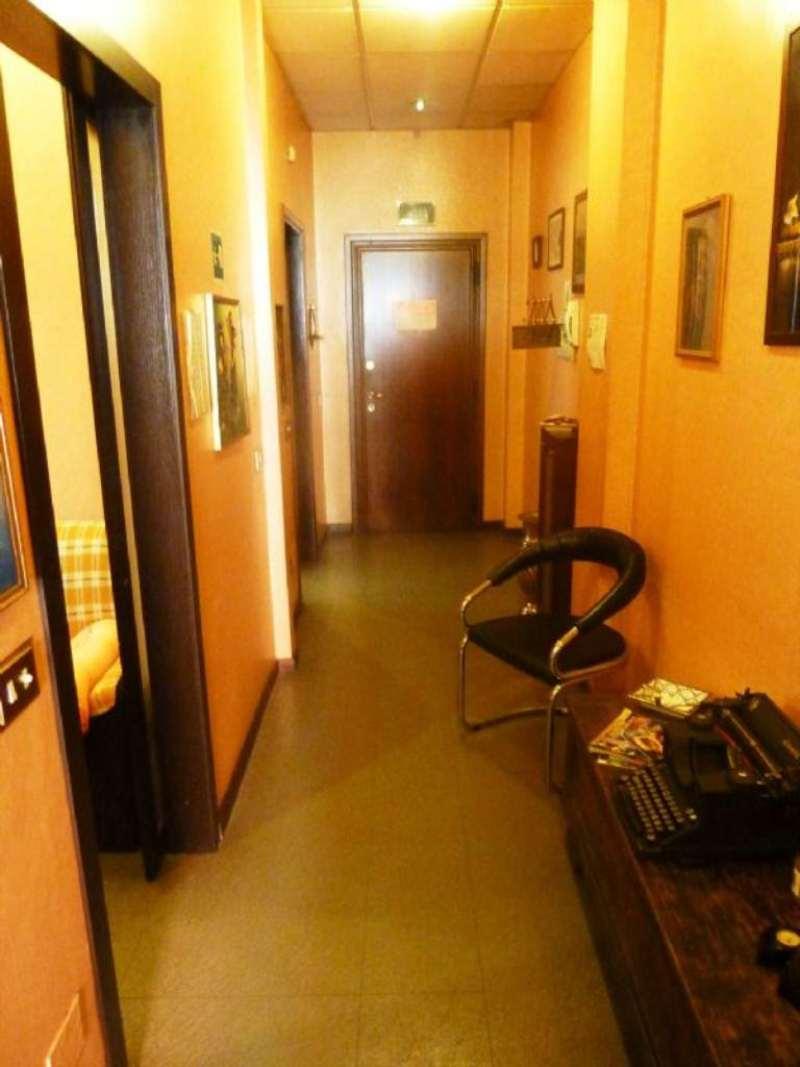 Bilocale Milano Via Dei Guarneri 10