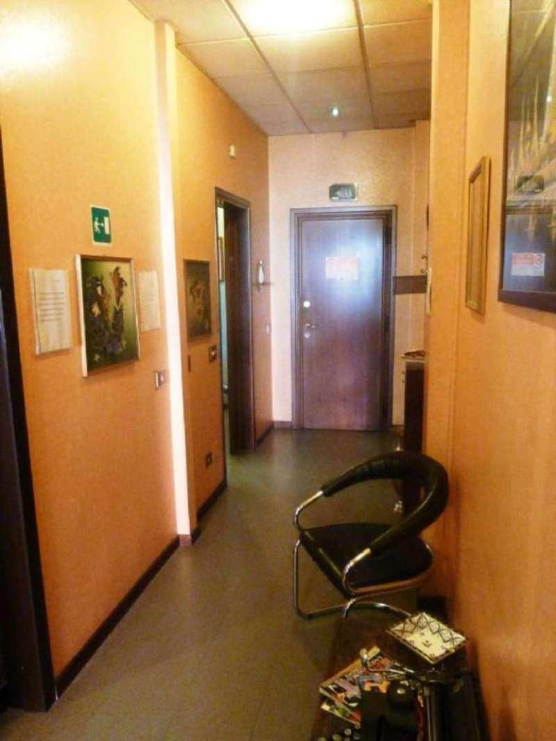 Bilocale Milano Via Dei Guarneri 11