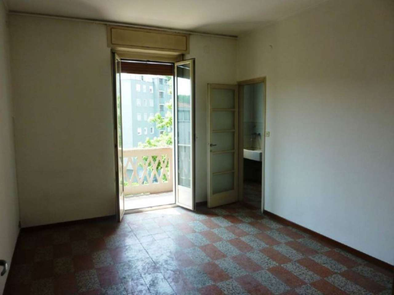 Bilocale Milano Via Antonini 13