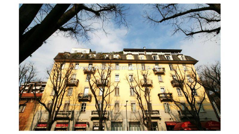 Bilocale Milano Via Principe Eugenio 1