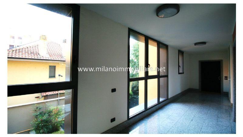 Bilocale Milano Via Santander 12