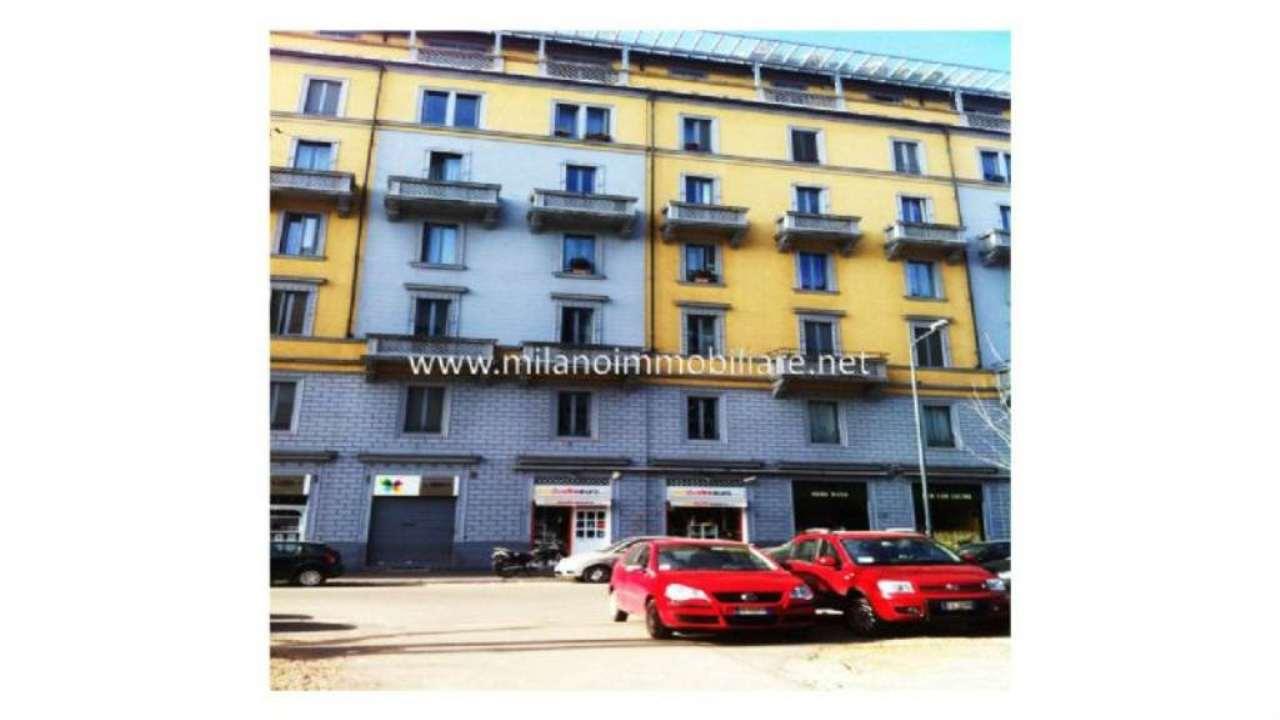 Bilocale Milano Via Poliziano 1