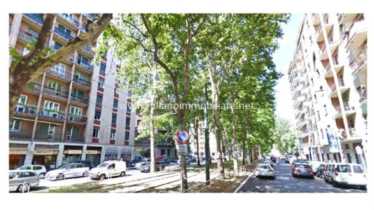 Bilocale Milano Via Cenisio 8