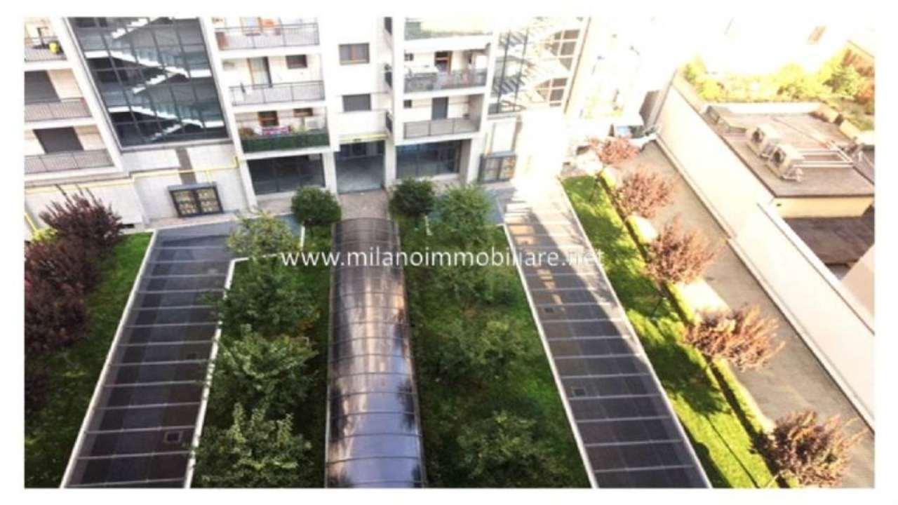 Bilocale Milano Via Monte Generoso 5