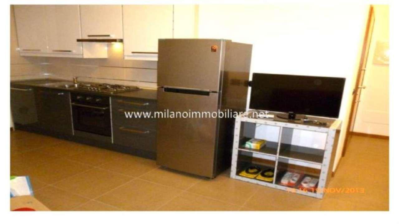 Bilocale Milano Via Monte Generoso 6