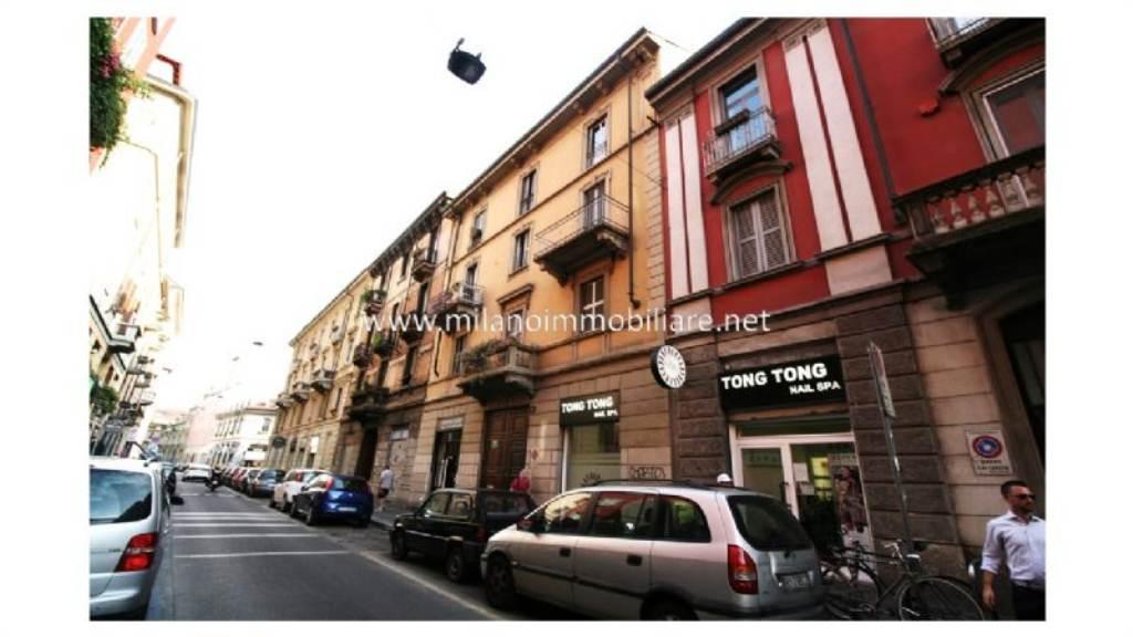 Bilocale Milano Via Lomazzo 4