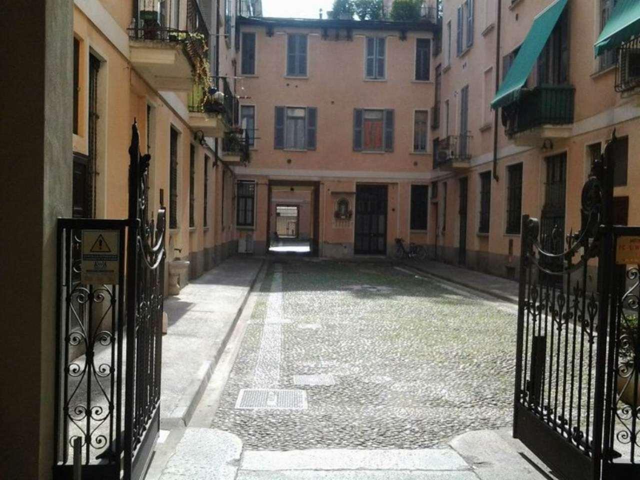 Bilocale Milano Via Orti 2