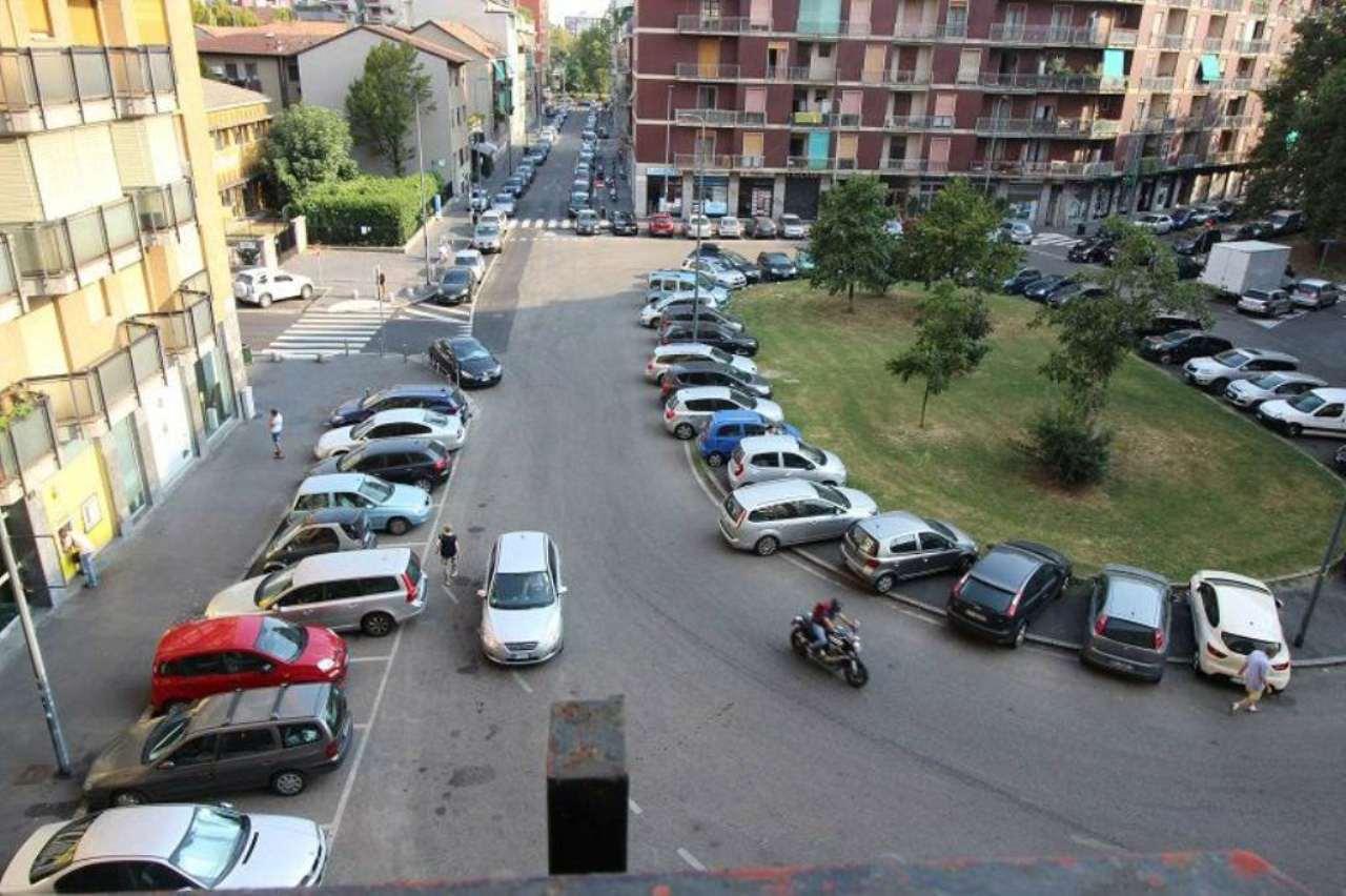 Bilocale Milano Largo Scalabrini 1
