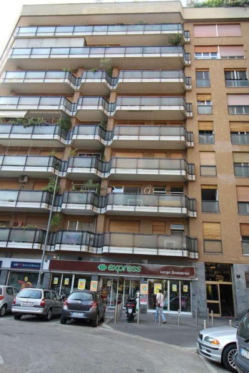 Bilocale Milano Largo Scalabrini 10