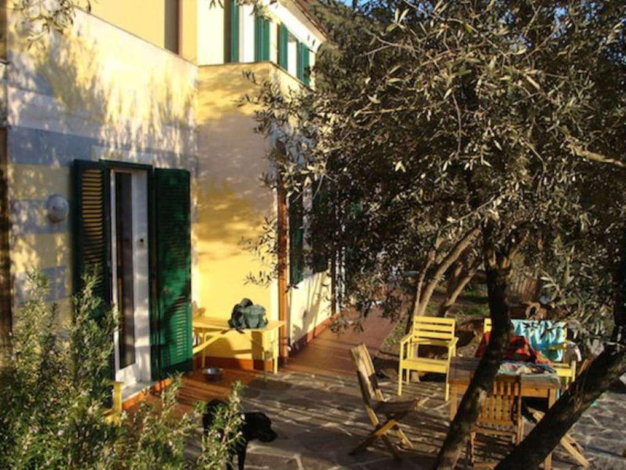 Villa in vendita a Recco, 5 locali, prezzo € 620.000 | Cambio Casa.it