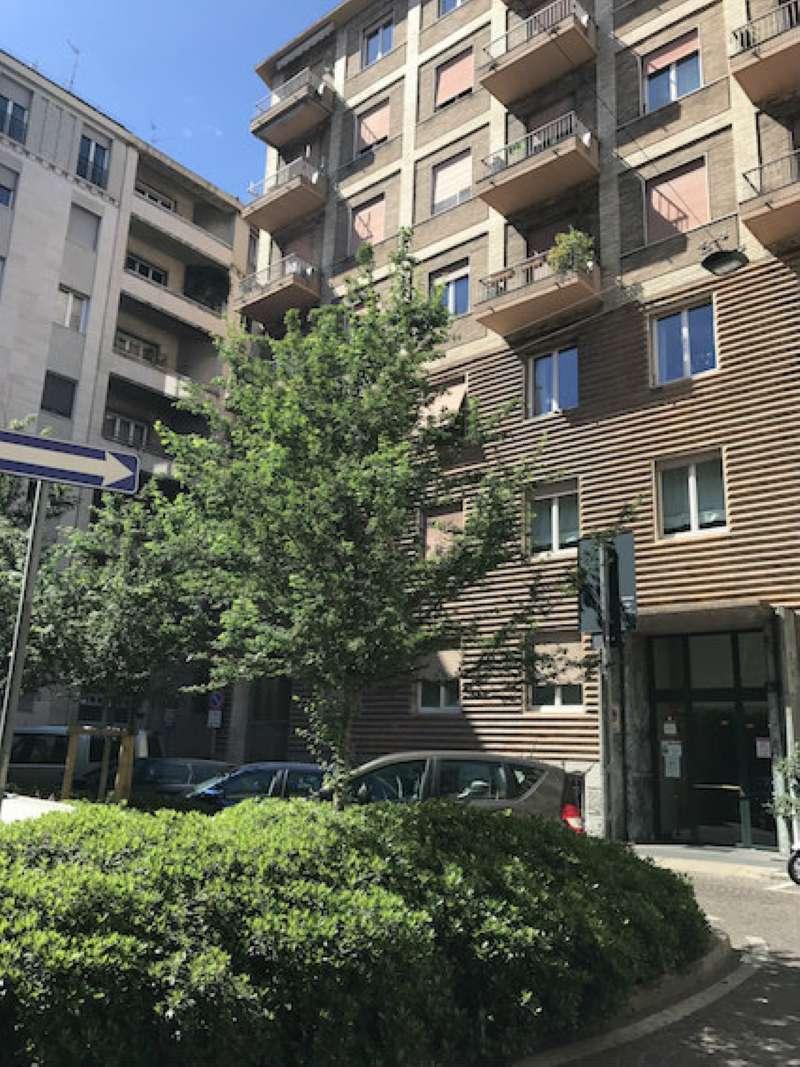 Appartamento in affitto arredato a milano for Affitto agropoli arredato