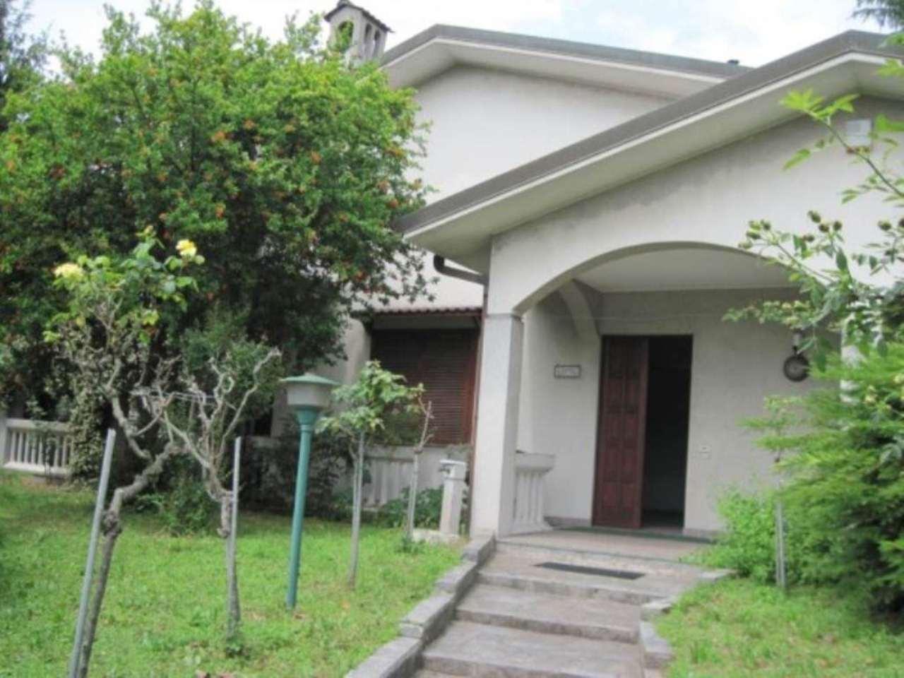 Villa in vendita a Paderno Dugnano, 5 locali, Trattative riservate | Cambio Casa.it