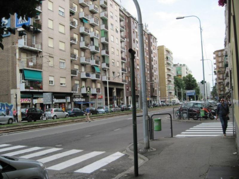 Negozio / Locale in vendita a Bresso, 9999 locali, prezzo € 500.000 | Cambio Casa.it