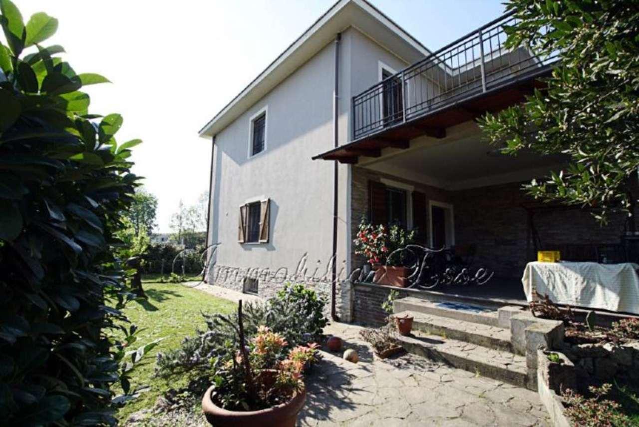 Villa in vendita a Rozzano, 6 locali, prezzo € 685.000 | Cambio Casa.it
