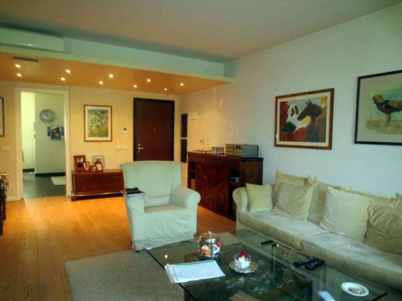 Appartamento in Vendita a Peschiera Borromeo: 3 locali, 134 mq