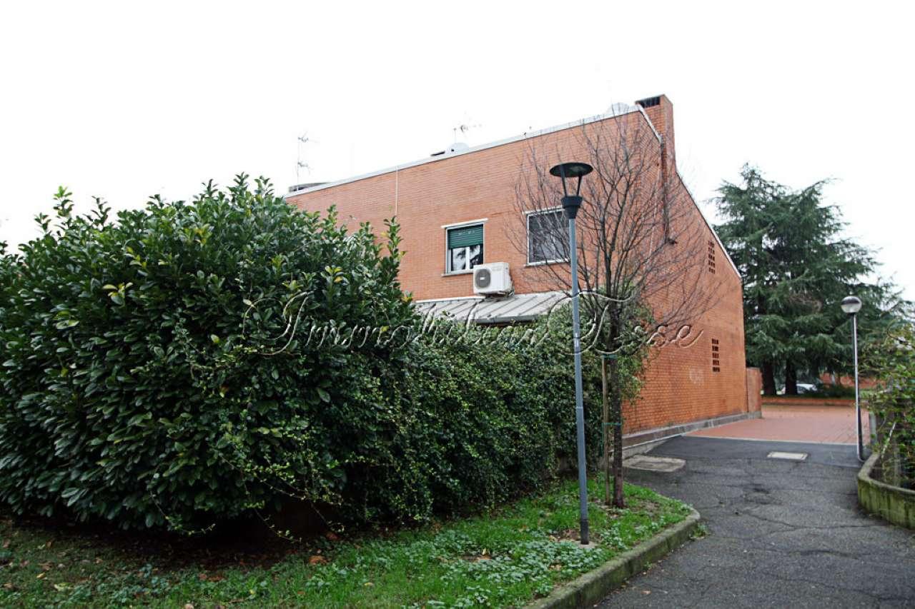 Villetta in Vendita a Milano 25 Cassala / Famagosta / Lorenteggio / Barona: 5 locali, 210 mq