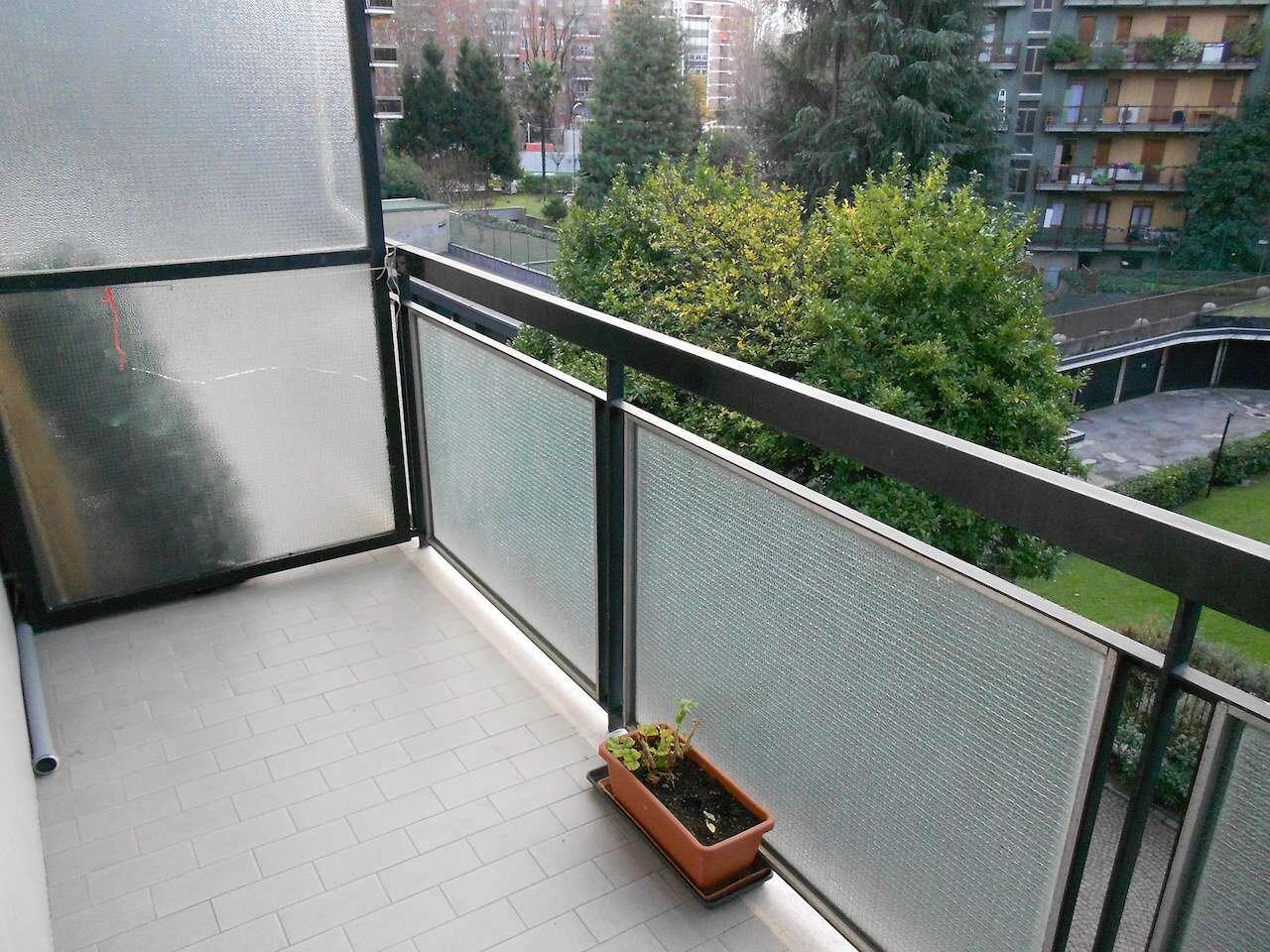 Appartamento in affitto a milano via don gnocchi for Appartamento design affitto milano
