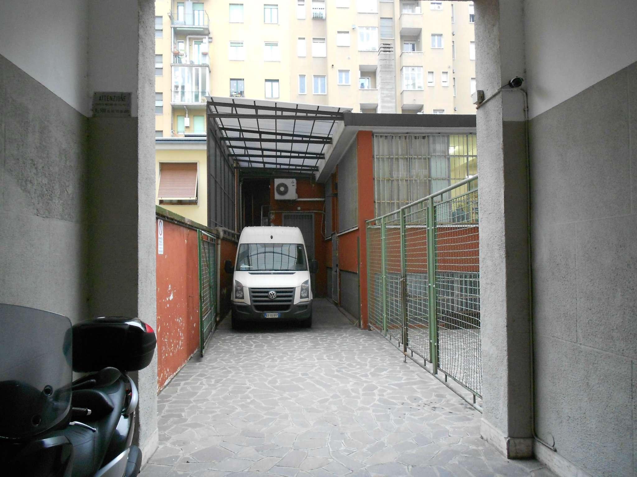Capannone in Vendita a Milano 21 Udine / Lambrate / Ortica: 5 locali, 600 mq