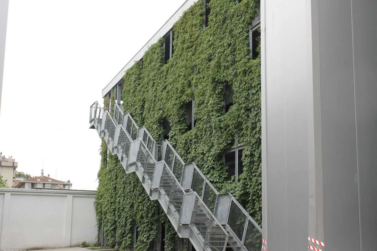 Ufficio-studio in Affitto a Milano 25 Cassala / Famagosta / Lorenteggio / Barona:  3 locali, 110 mq  - Foto 1