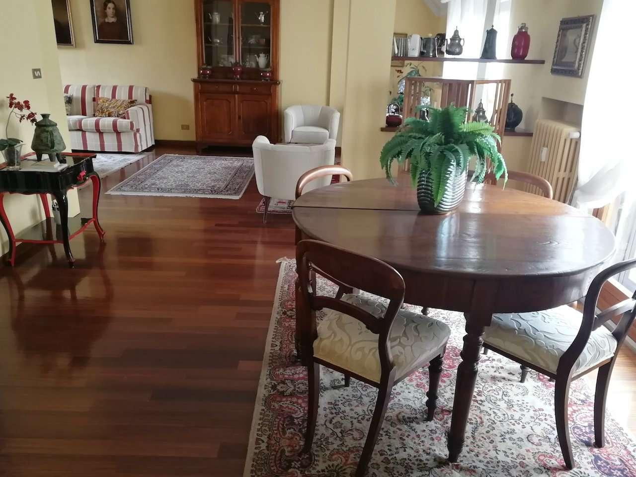 Appartamento in Vendita a Milano 08 Vercelli / Magenta / Cadorna / Washington: 5 locali, 180 mq