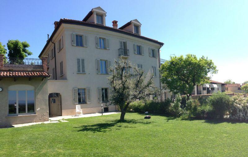 Appartamento in affitto a Pecetto Torinese, 7 locali, prezzo € 1.450 | Cambio Casa.it