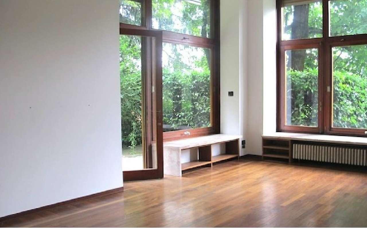 Appartamento con terrazzo affitto a torino for Appartamento design torino affitto