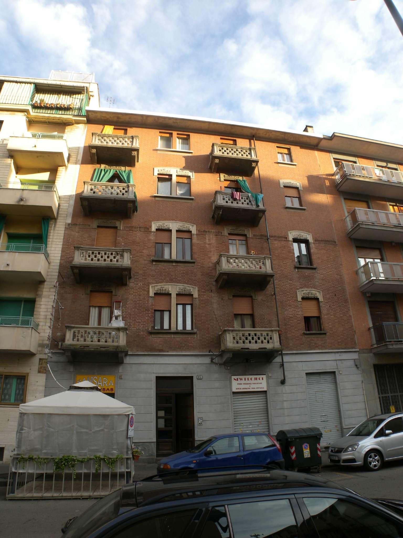 Foto 1 di Stabile - Palazzo via CASTAGNEVIZZA  15, Torino (zona Santa Rita)