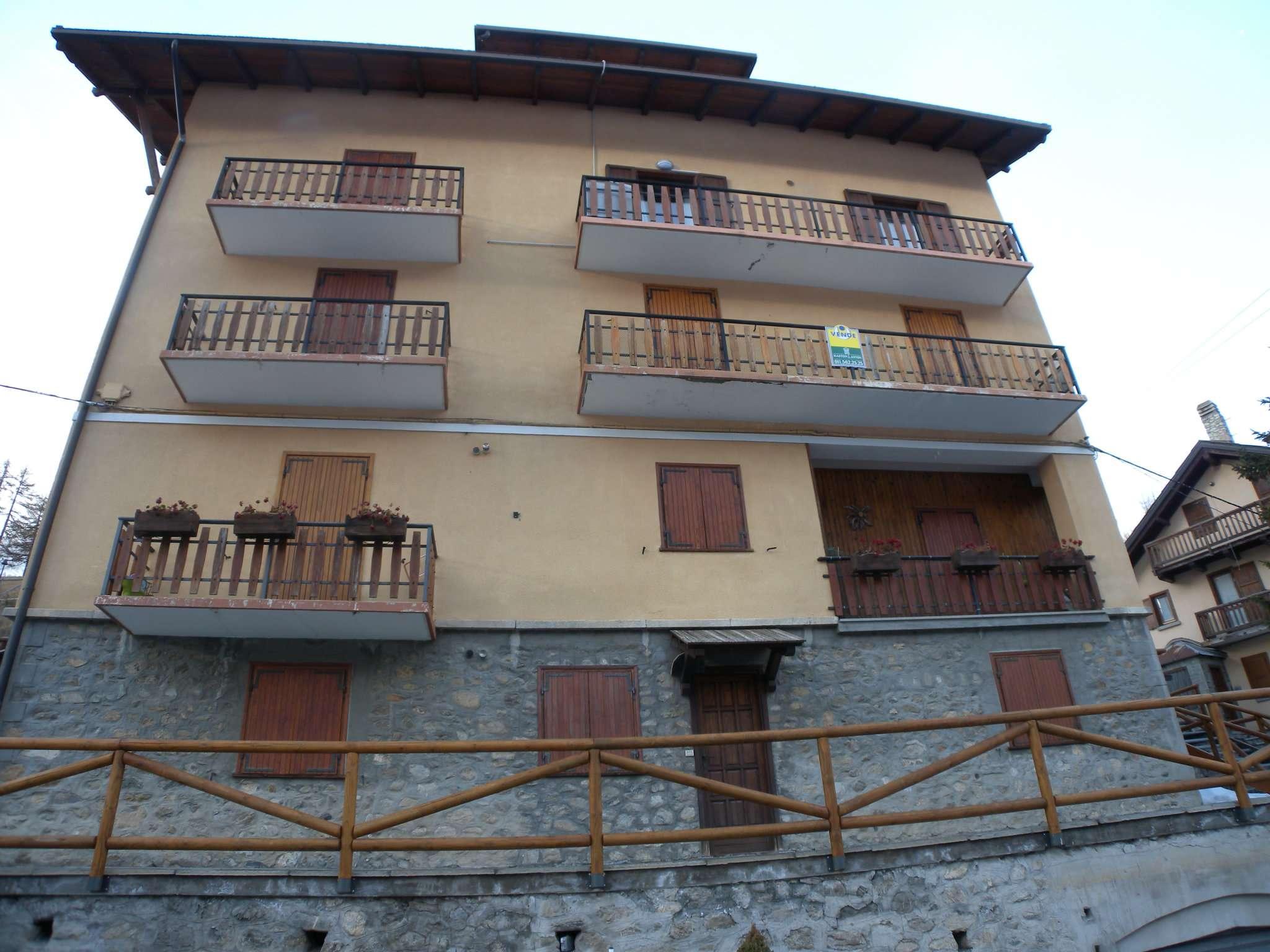 Foto 1 di Appartamento strada Nazionale del Monginevro, Claviere