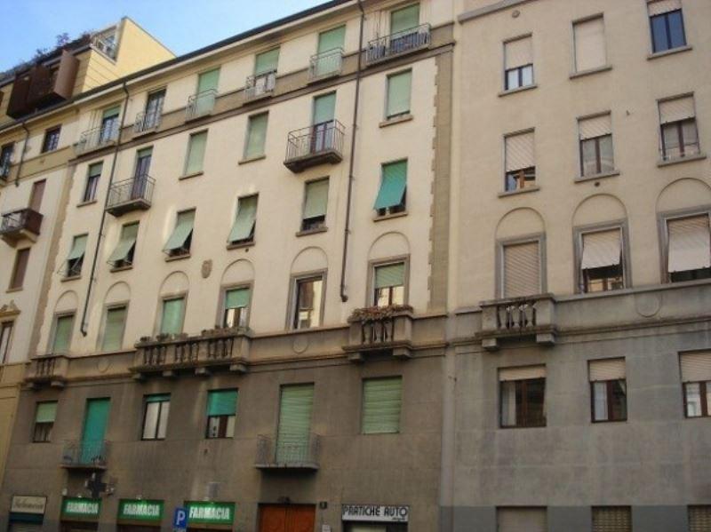 Bilocale Milano Via Gaetano Strigelli 1