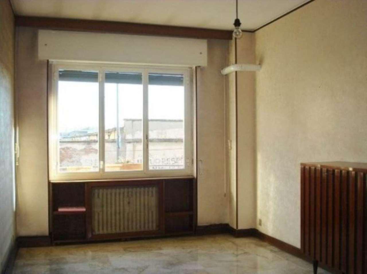 Bilocale Milano Via Abetone 4