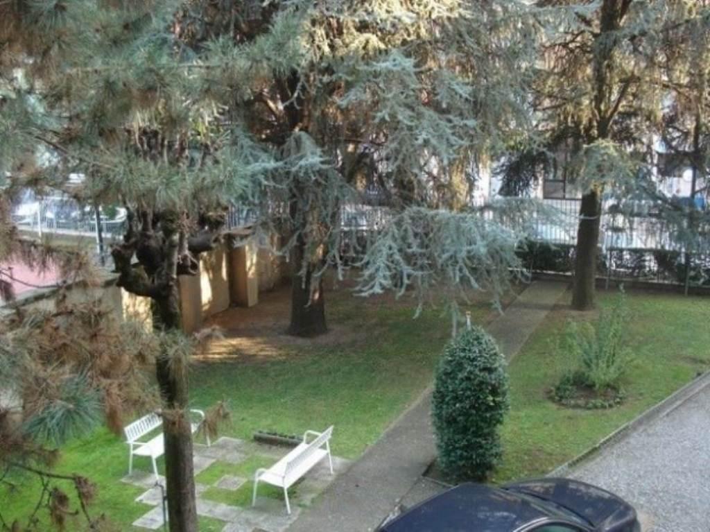 Bilocale Milano Via Del Turchino 9