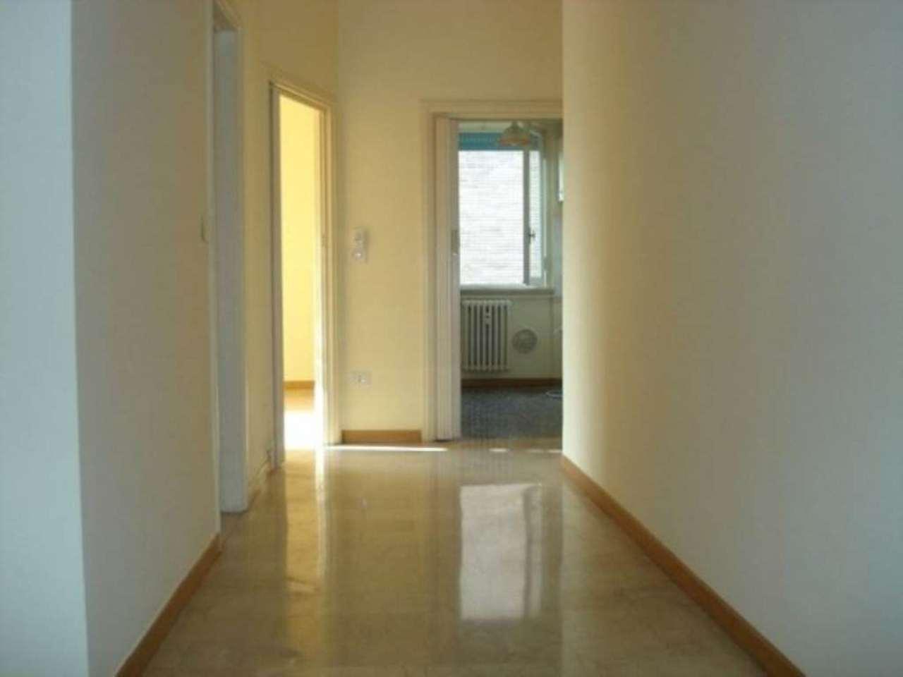 Bilocale Milano Via Tito Livio 5